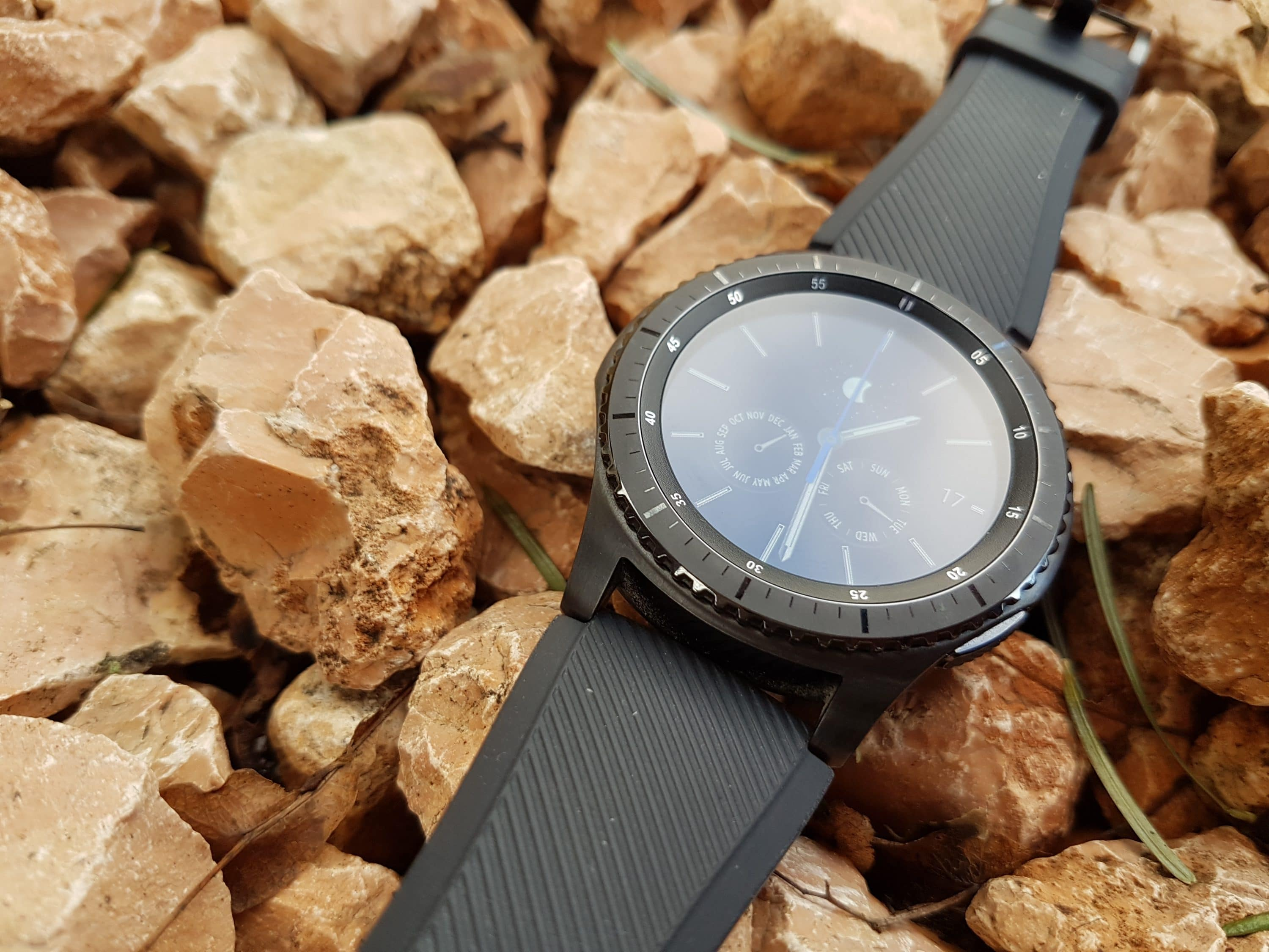 Photo of Review of the Samsung Gear S3 Frontier Smartwatch