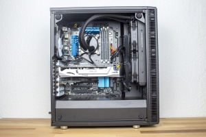 Fractal Design Define C Tempered Glass Gehäuse mit Hardware