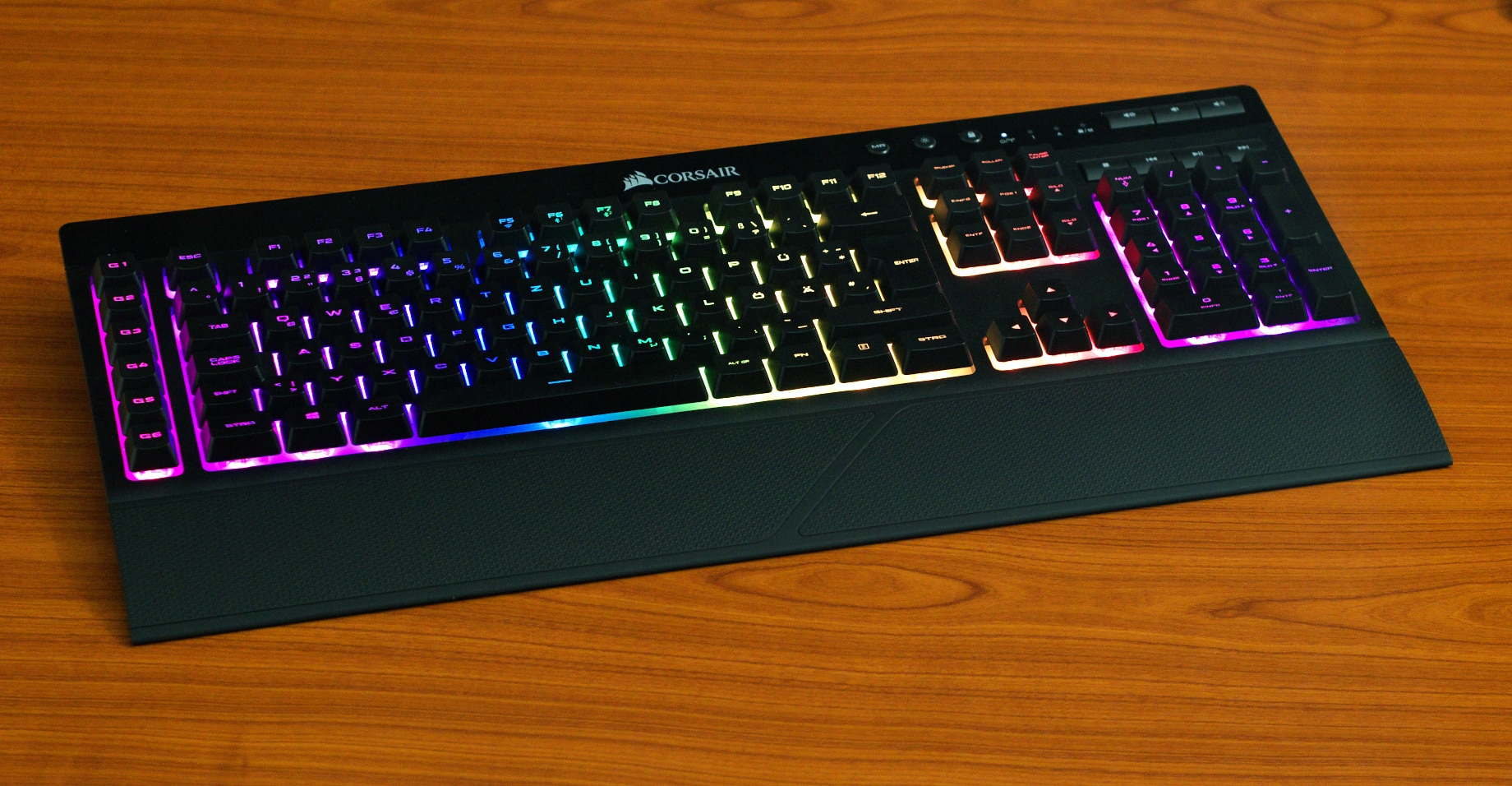Corsair K57 Rgb Wireless Review Wireless Keyboard With Rubberdomes