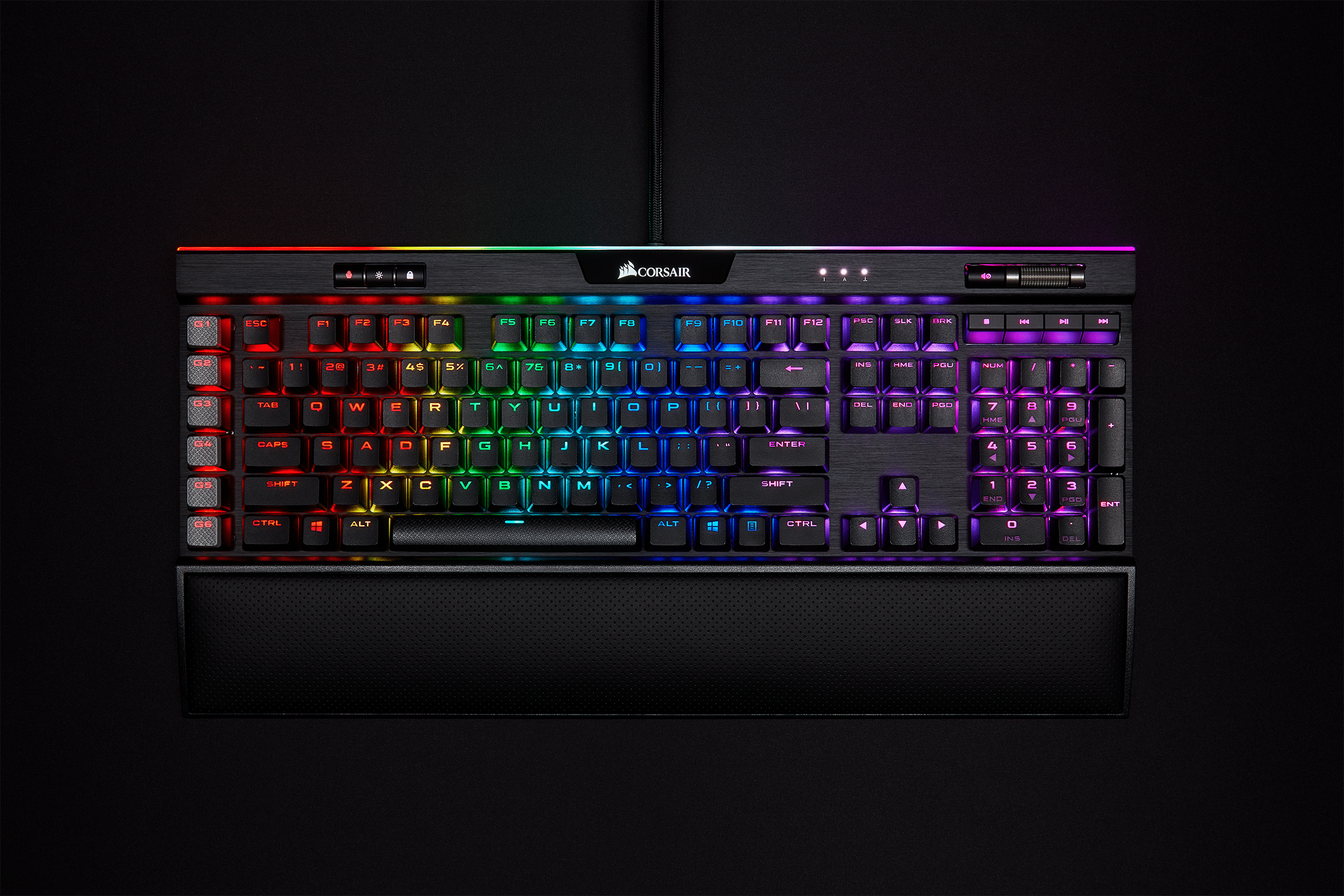 CES: Corsair K95 RGB Platinum XT - the keyboard for streamers